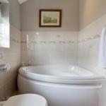 Large Corner Bath
